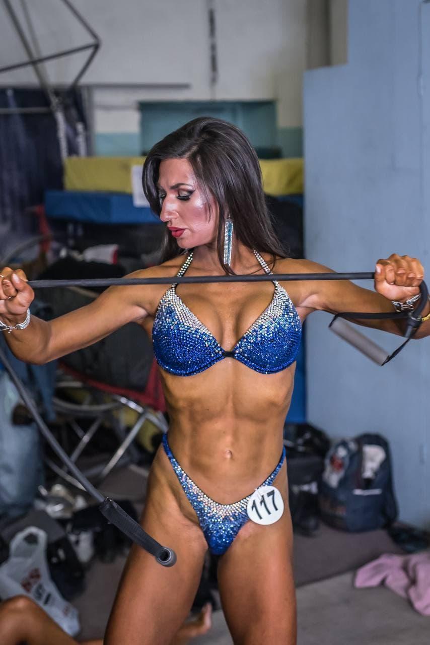 Фото «Успех зависит от питания»: спортсменка из Новосибирска раскрыла секрет кубиков на животе и развеяла мифы о похудении 3