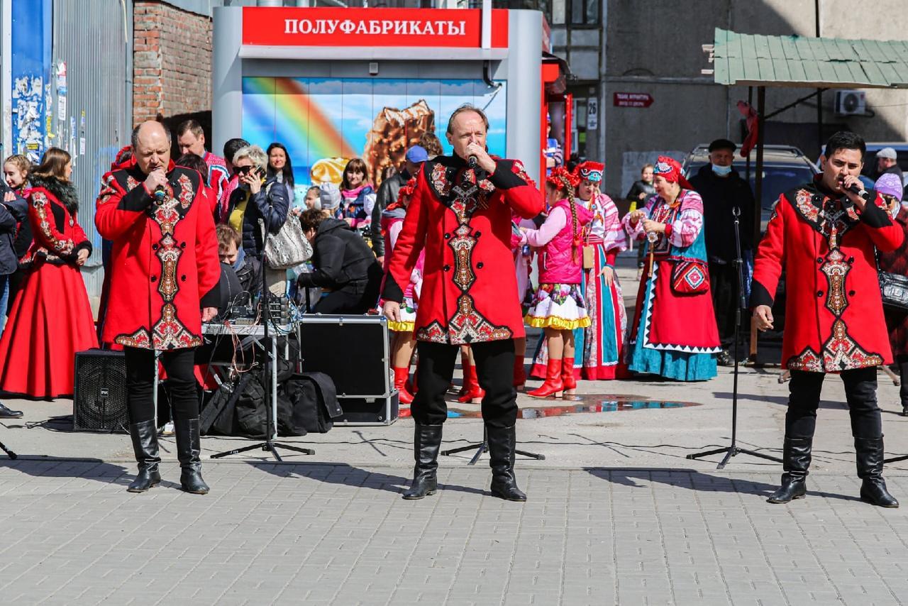 фото Концерт в честь 9 Мая прошёл на бульваре Победы в Новосибирске 3