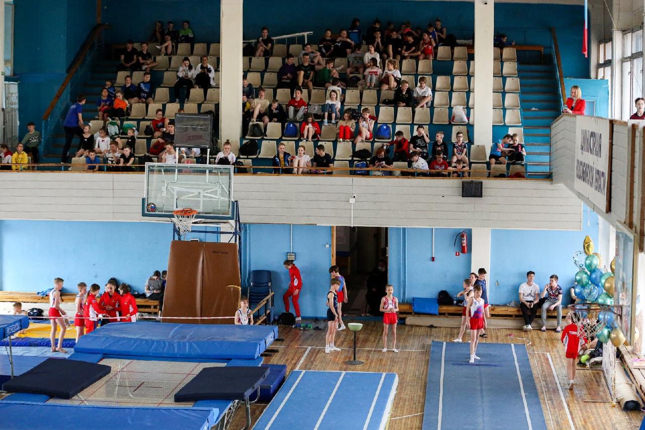 фото Всероссийские соревнования по прыжкам на батуте проходят в Новосибирске 9