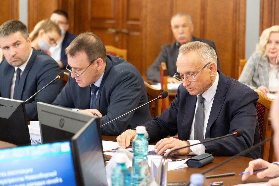 Фото Бороться за бюджет: депутаты Заксобрания добиваются увеличения финансирования строительной отрасли в регионе 6