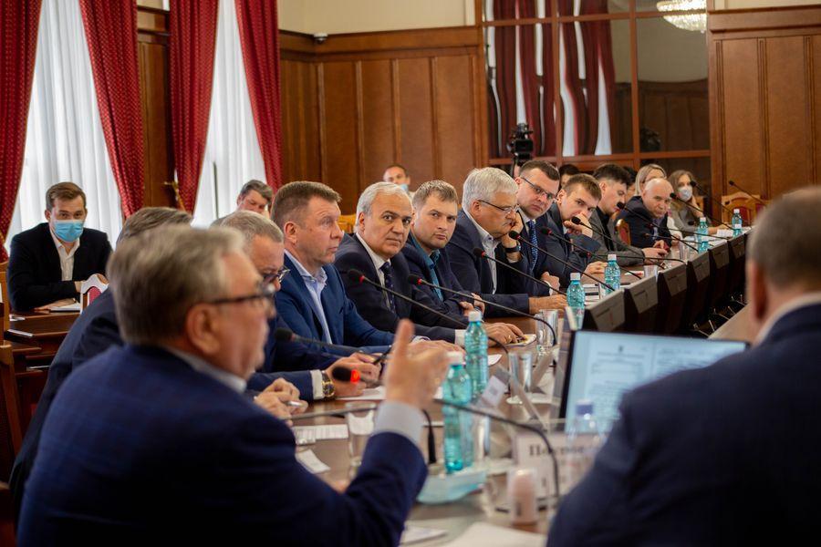Фото Бороться за бюджет: депутаты Заксобрания добиваются увеличения финансирования строительной отрасли в регионе 8