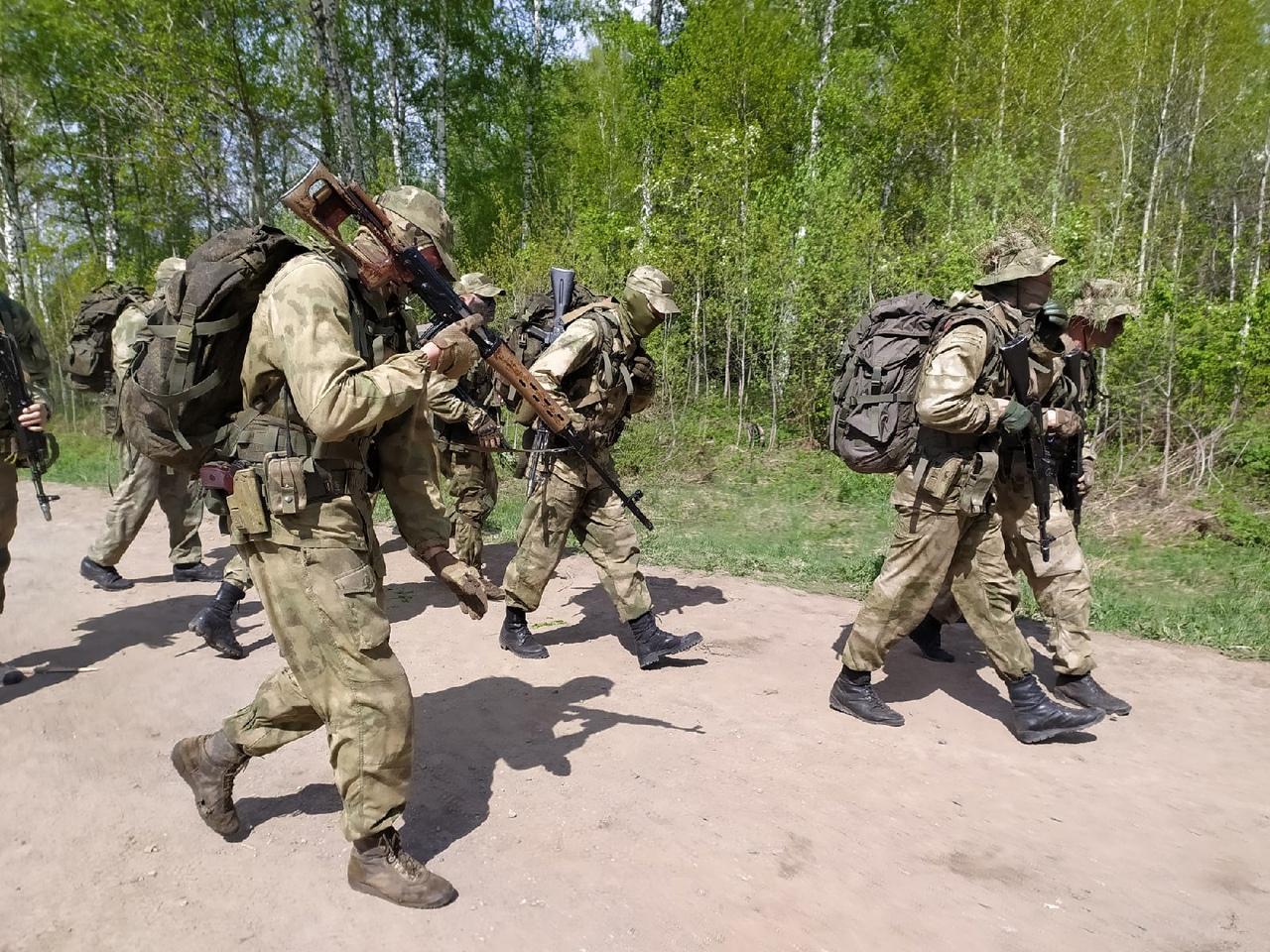 Фото Соревнования военных разведчиков со всей России проходят в Новосибирске: 12 впечатляющих фото с полигона Кольцово 6