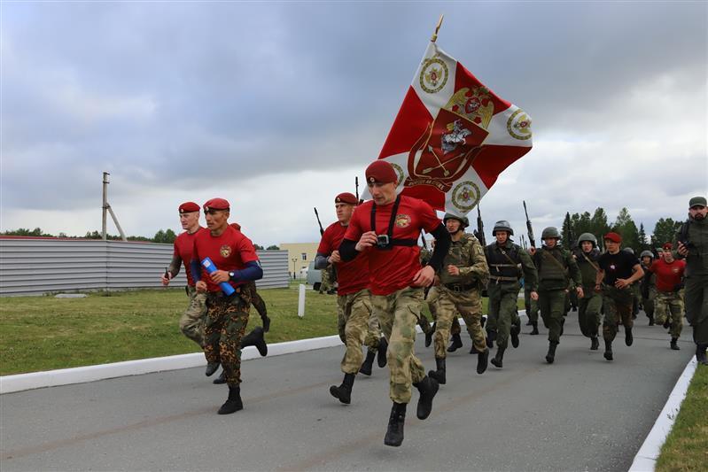 Фото В Сибири прошли соревнования среди военнослужащих спецподразделений Росгвардии 7