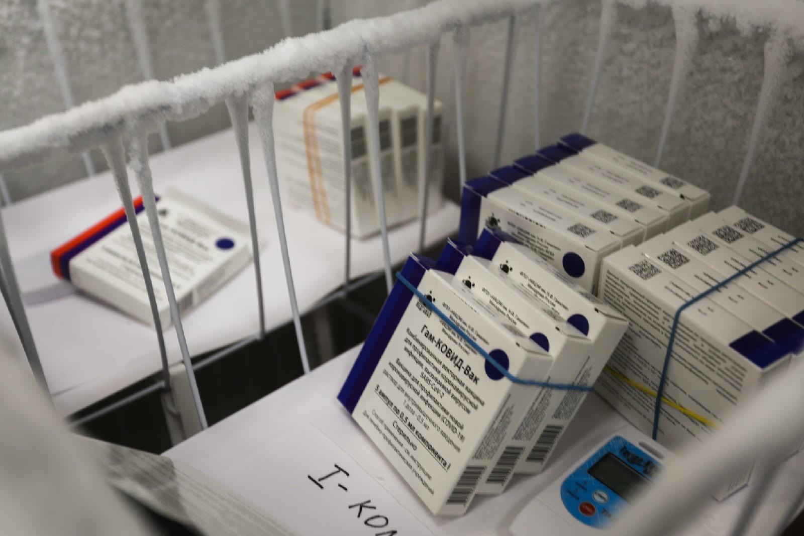 Фото В Новосибирской области власти предложат торговым центрам открывать пункты вакцинации от COVID-19 3