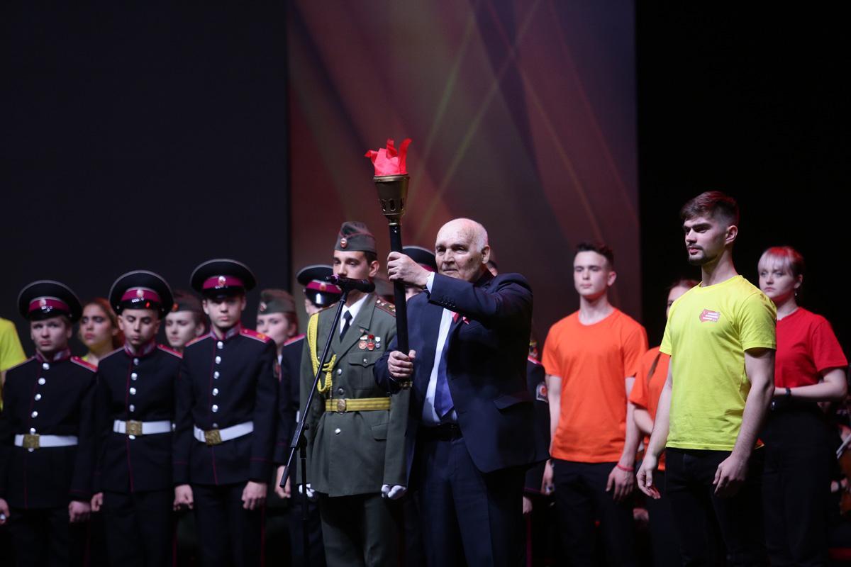 фото Итоги общегородской акции «Эстафета патриотизма поколений» подвели в Новосибирске 3