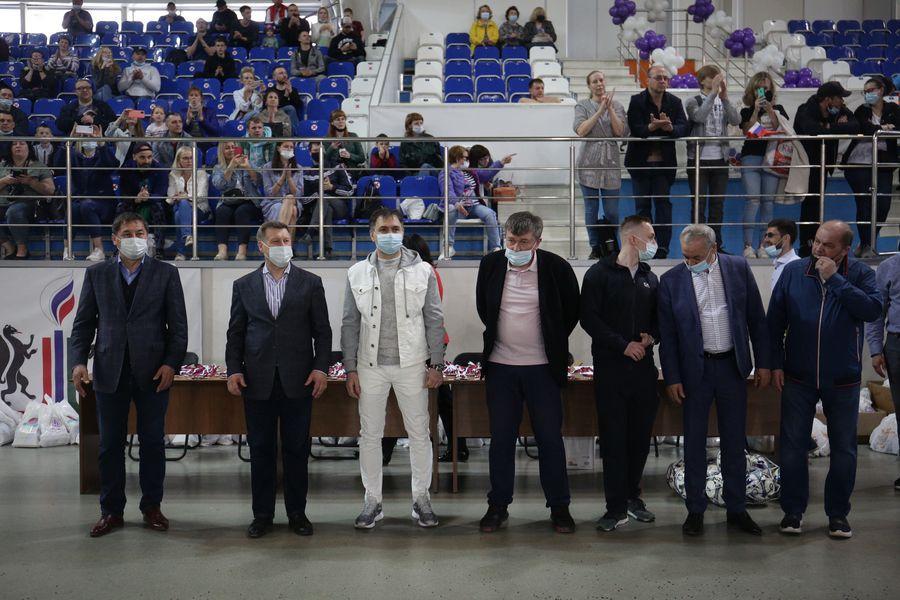 Фото Большая игра маленьких футболистов: в Новосибирске прошёл турнир «Крохабол-2021» 2