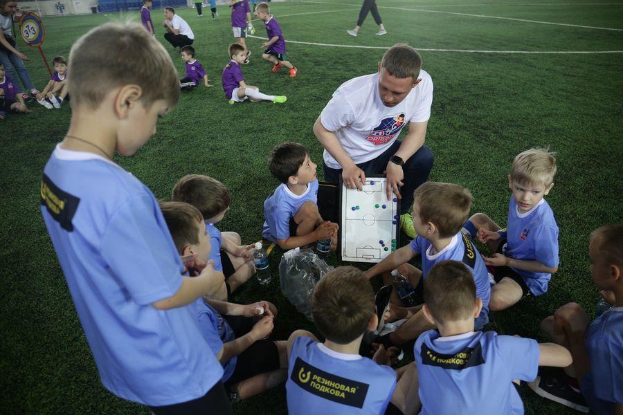 Фото Большая игра маленьких футболистов: в Новосибирске прошёл турнир «Крохабол-2021» 4