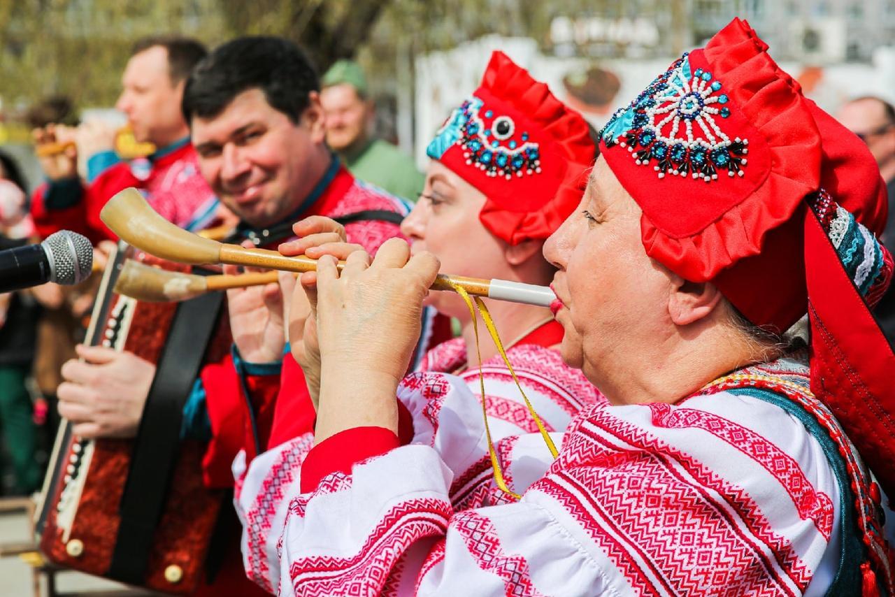 фото Концерт в честь 9 Мая прошёл на бульваре Победы в Новосибирске 7