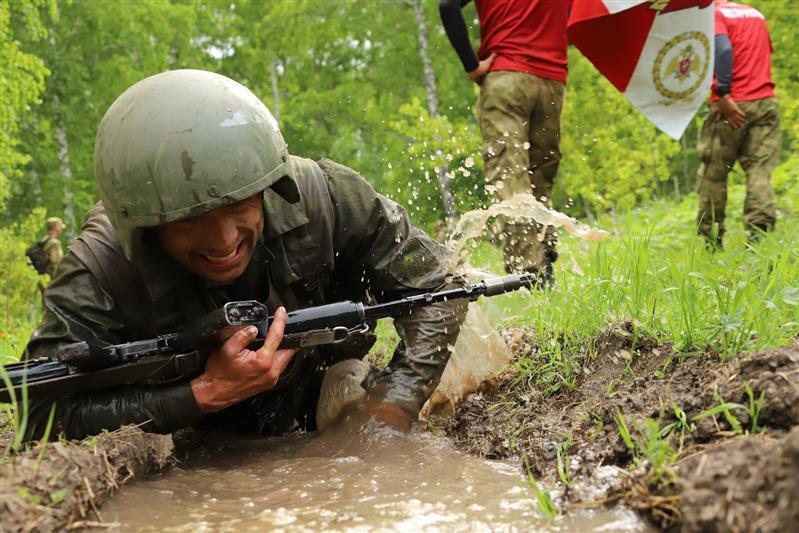 Фото В Сибири прошли соревнования среди военнослужащих спецподразделений Росгвардии 4