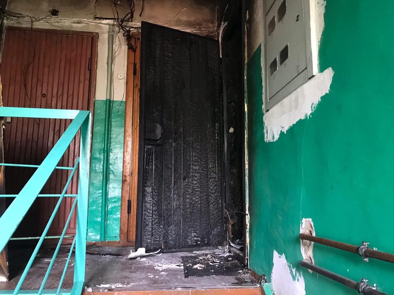 фото «Устроили балаган на весь дом, полиция не приехала»: что известно о пожаре с тремя погибшими в Новосибирске 5