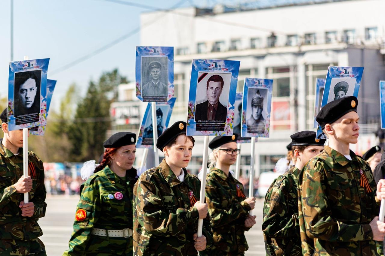 фото Военный парад Победы прошёл в центре Новосибирска 9 мая 13