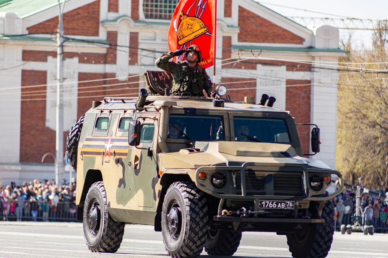 фото Военный парад Победы прошёл в центре Новосибирска 9 мая 11