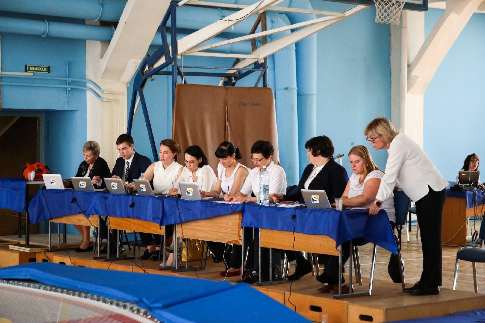 фото Всероссийские соревнования по прыжкам на батуте проходят в Новосибирске 7