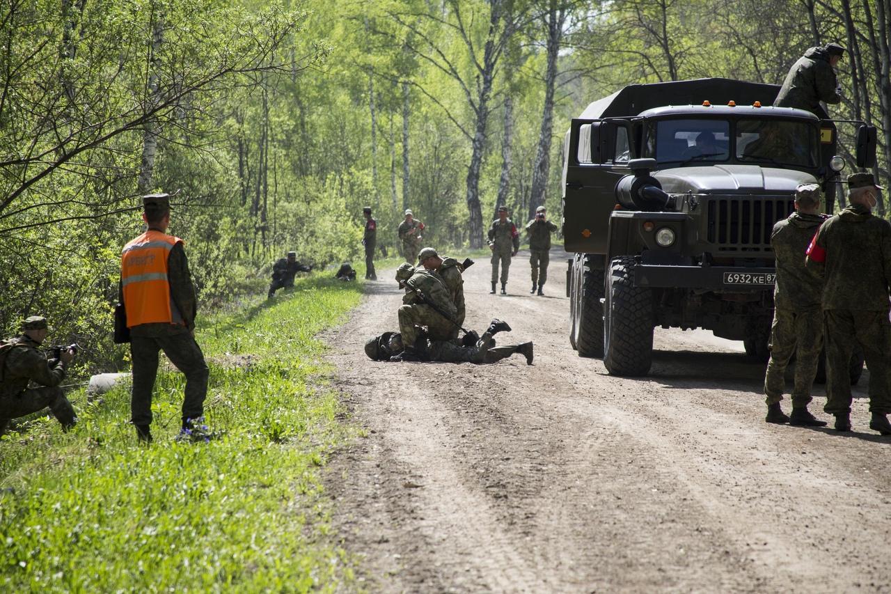 Фото Соревнования военных разведчиков со всей России проходят в Новосибирске: 12 впечатляющих фото с полигона Кольцово 4