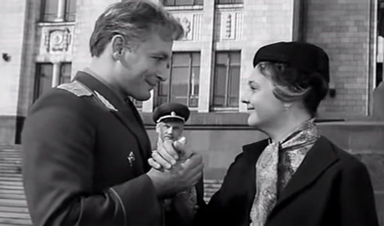Фото «Офицеры», «В бой идут одни старики», «17 мгновений весны», «Список Шиндлера», «Пианист», «1917» и «Уловка 22»: фильмы о войне, которые стоит посмотреть в День Победы 9 мая 2