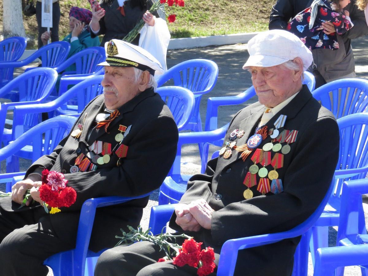 Фото Единственный фронтовик пришёл на праздник Победы в Бердске 2
