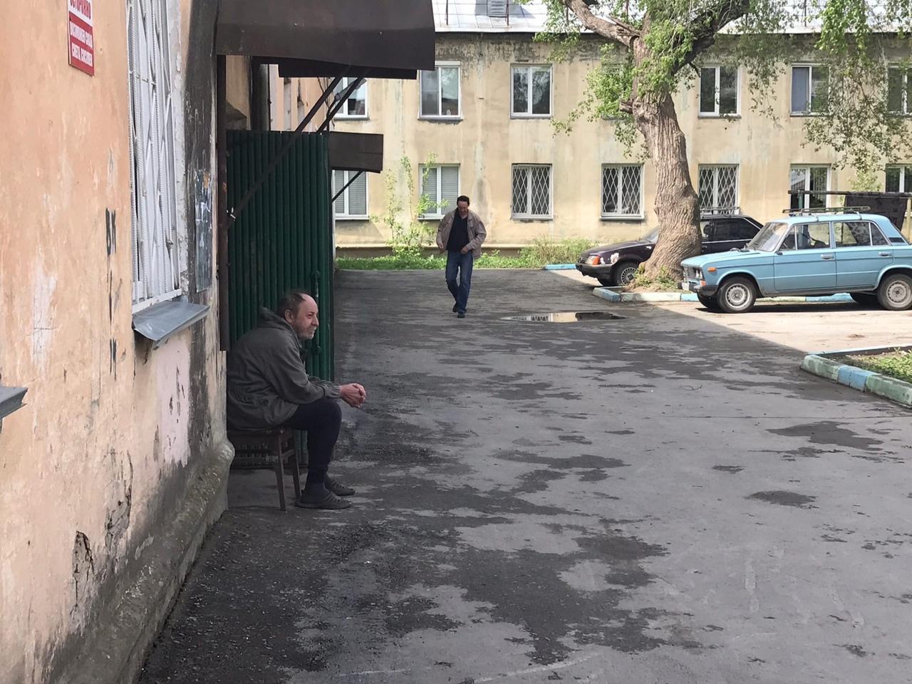 фото «Устроили балаган на весь дом, полиция не приехала»: что известно о пожаре с тремя погибшими в Новосибирске 8