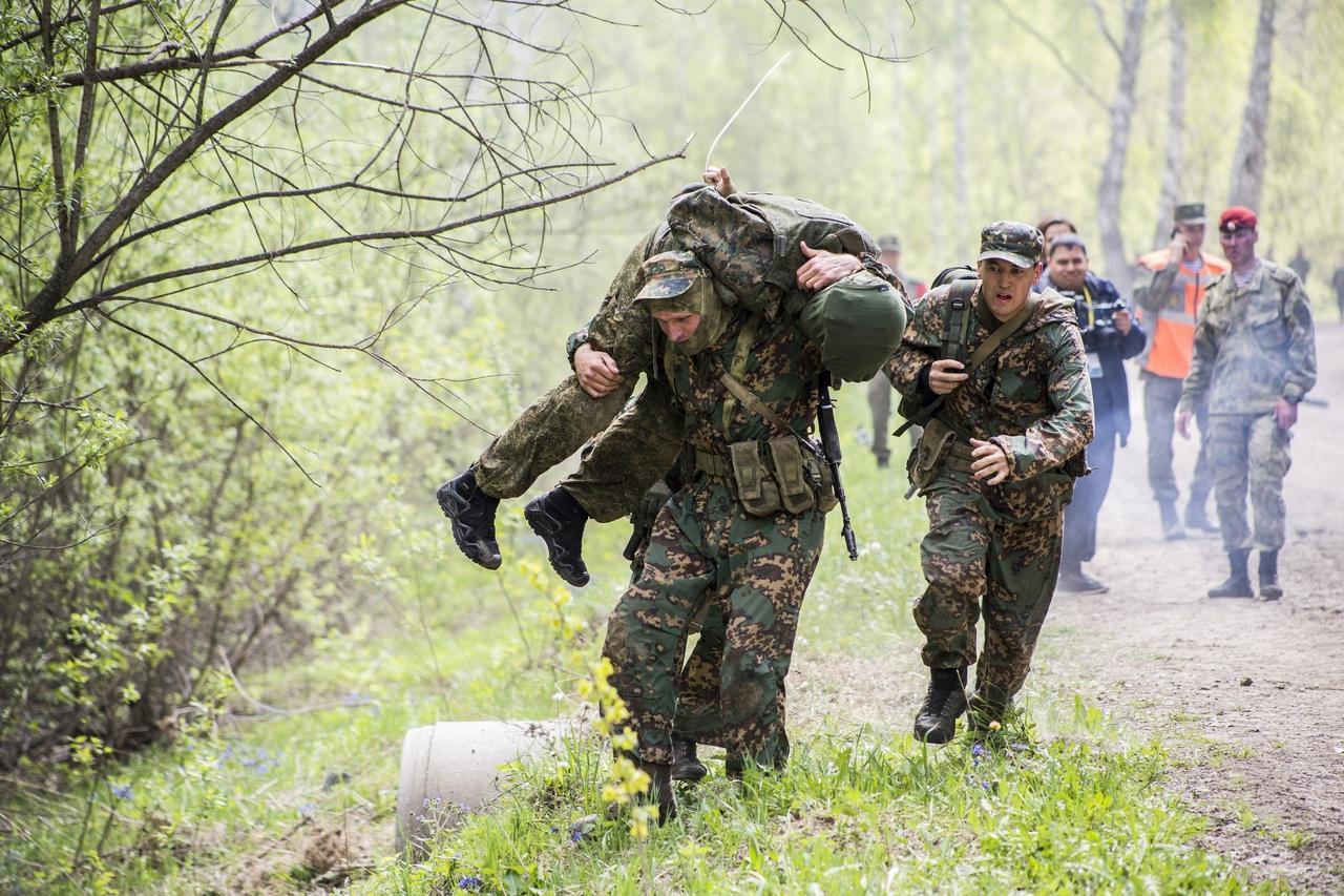 Фото Соревнования военных разведчиков со всей России проходят в Новосибирске: 12 впечатляющих фото с полигона Кольцово 7