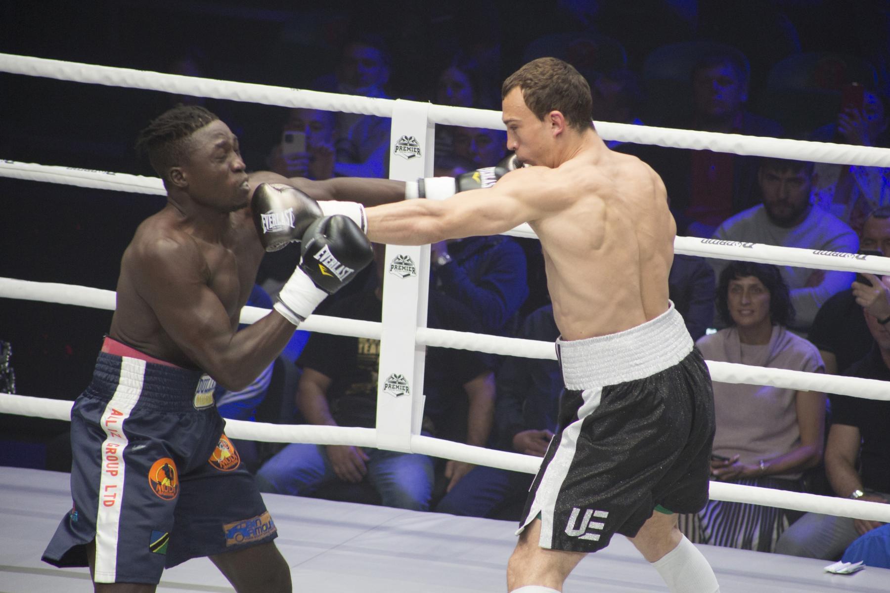 фото Боксёр из Новосибирска Павел Силягин стал азиатско-тихоокеанским чемпионом WBO 6