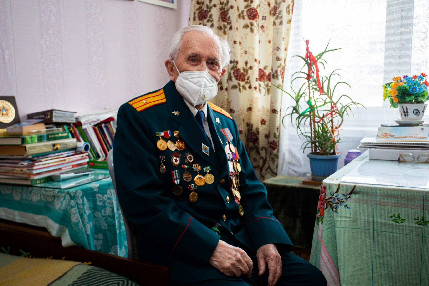 фото «Надо думать, как Родину защищать»: ветеран Великой Отечественной из Новосибирска о прошлом и настоящем 4