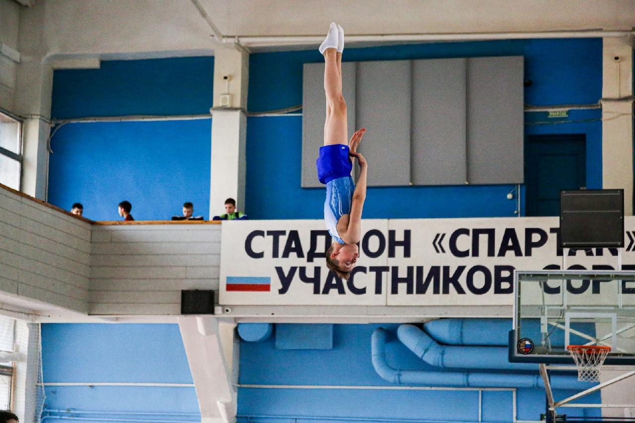 фото Всероссийские соревнования по прыжкам на батуте проходят в Новосибирске 10