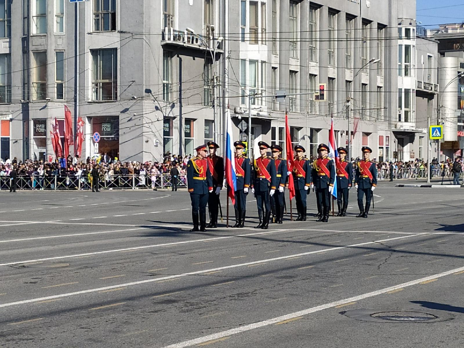 фото В Новосибирске начался парад в честь Дня Победы 2