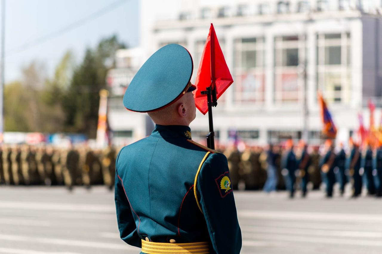 фото Военный парад Победы прошёл в центре Новосибирска 9 мая 5