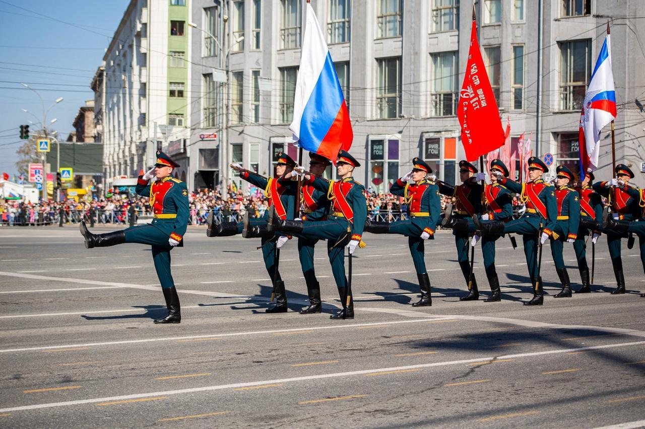 фото Военный парад Победы прошёл в центре Новосибирска 9 мая 4