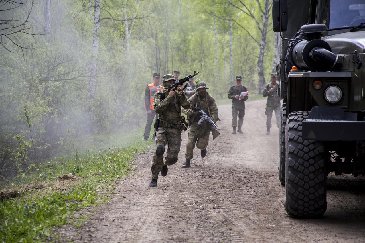 Фото Соревнования военных разведчиков со всей России проходят в Новосибирске: 12 впечатляющих фото с полигона Кольцово 8