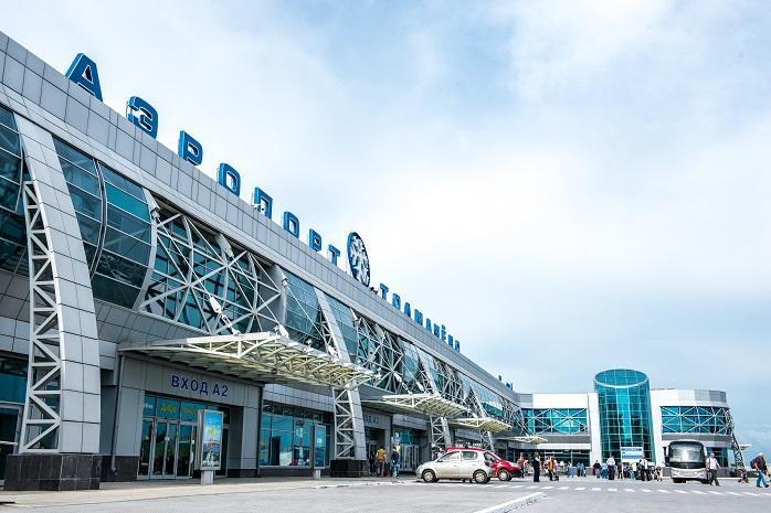 Фото Падение мужчины на рельсы в метро Новосибирска, аварийная посадка самолёта и колонны пограничников: главные новости 28 мая – в одном материале 6