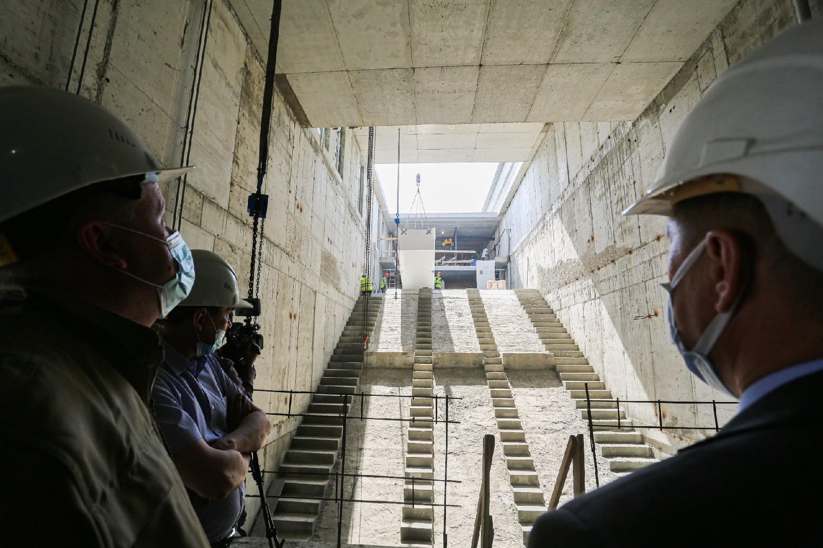 фото Швейцарские эскалаторы для станции метро «Спортивная» доставили в Новосибирск 2