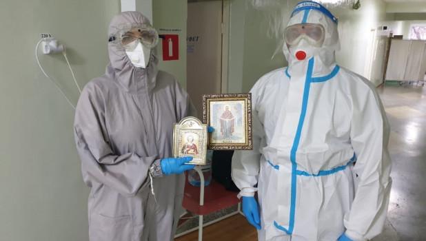 Фото Кадилом и святой водой начали бороться с коронавирусом на Алтае 3