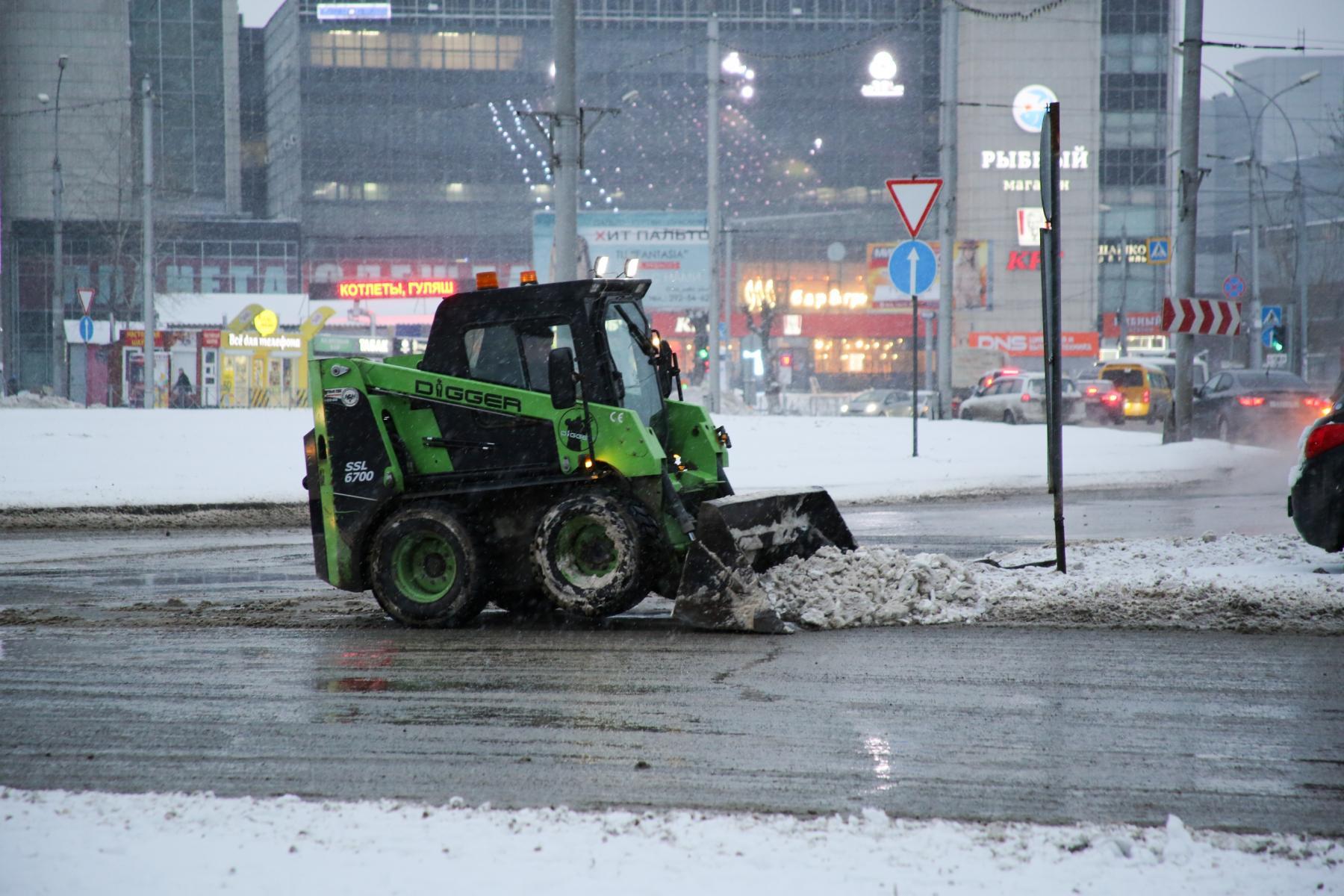 фото Привыкайте к вони: в Новосибирске предложили бороться со снегом при помощи фекалий 3