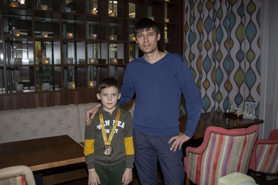 фото «Соперники приходили за нас поболеть»: юные хоккеисты из Новосибирска разгромили грандов и стали лучшими в России 2
