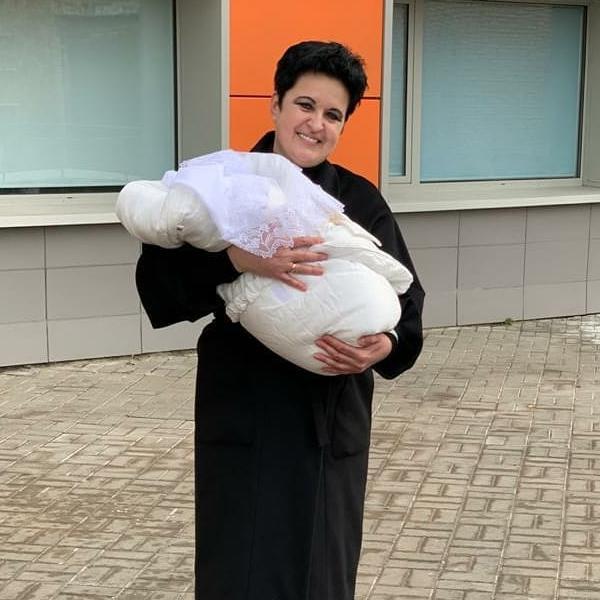 фото «Порадуйтесь за нас!»: ведьма из Новосибирска Елена Голунова родила четвёртого ребёнка в 52 года 2
