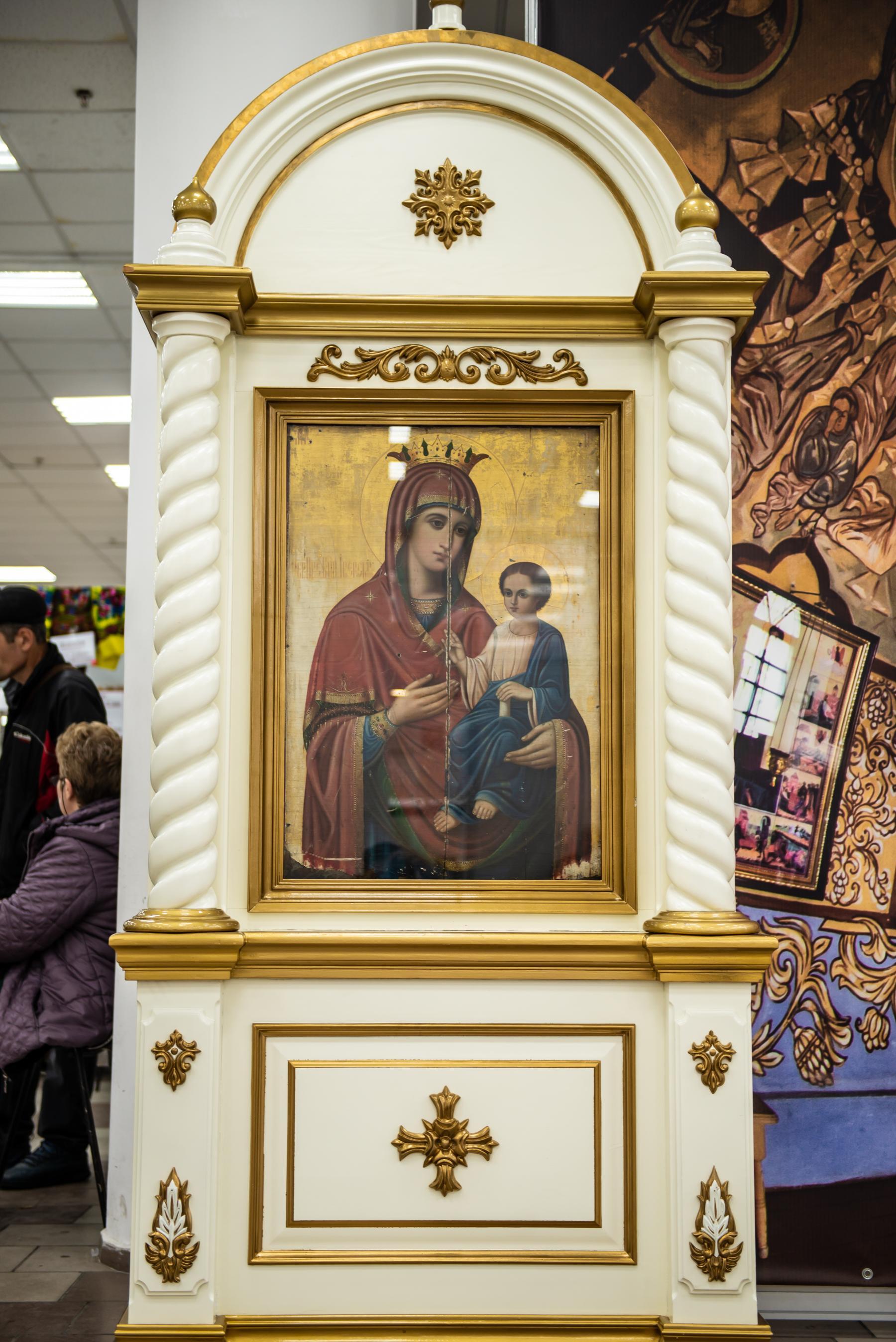Фото «Этот Псалтырь – просто бестселлер!»: как новосибирцев зазывают на православную ярмарку 17