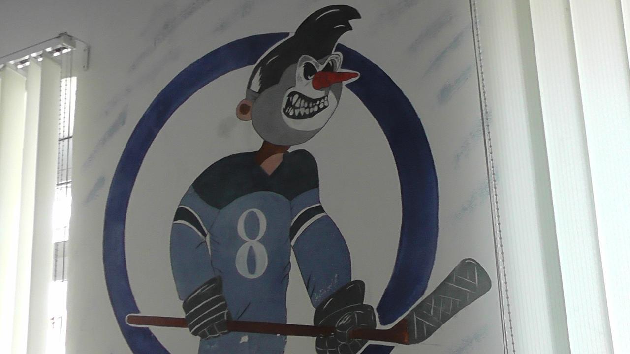 фото Болельщики ХК «Сибирь» угодили в колонию: на стенах они пишут имена лучших игроков 2