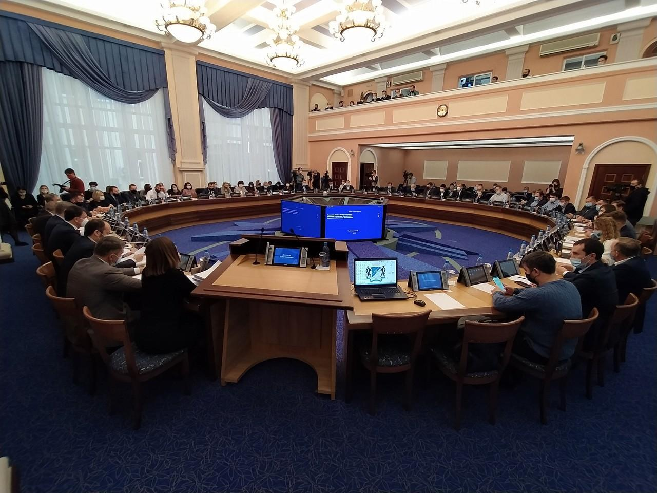 фото Коротко: 5 тезисов из доклада главы минздрава о ситуации с COVID-19 в Новосибирске 2