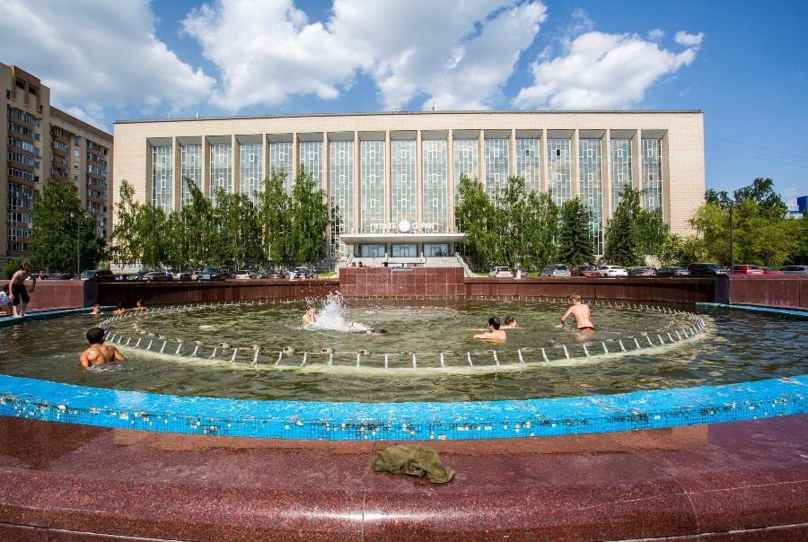 Фото Высохли фонтаны: в Новосибирске слили воду из последней чаши 2
