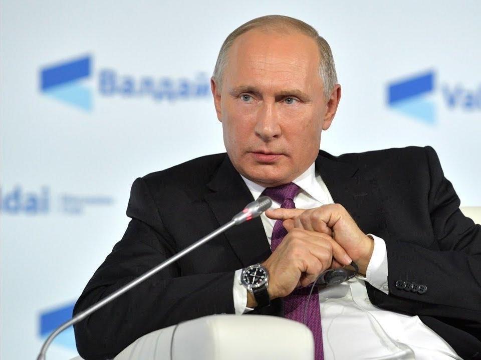 фото Распоряжения Путина: россиян ждут новые выплаты, больничные пособия увеличат, а пенсии снизят 2