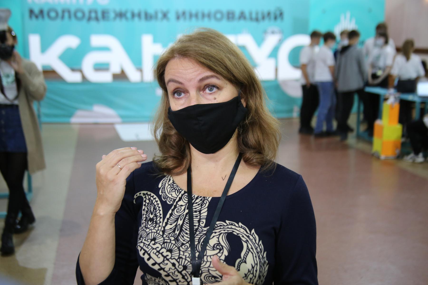 Фото Браслеты-пищалки для незрячих и роботы-дезинфекторы для осторожных: одарённые дети в Новосибирске показали свои разработки 2