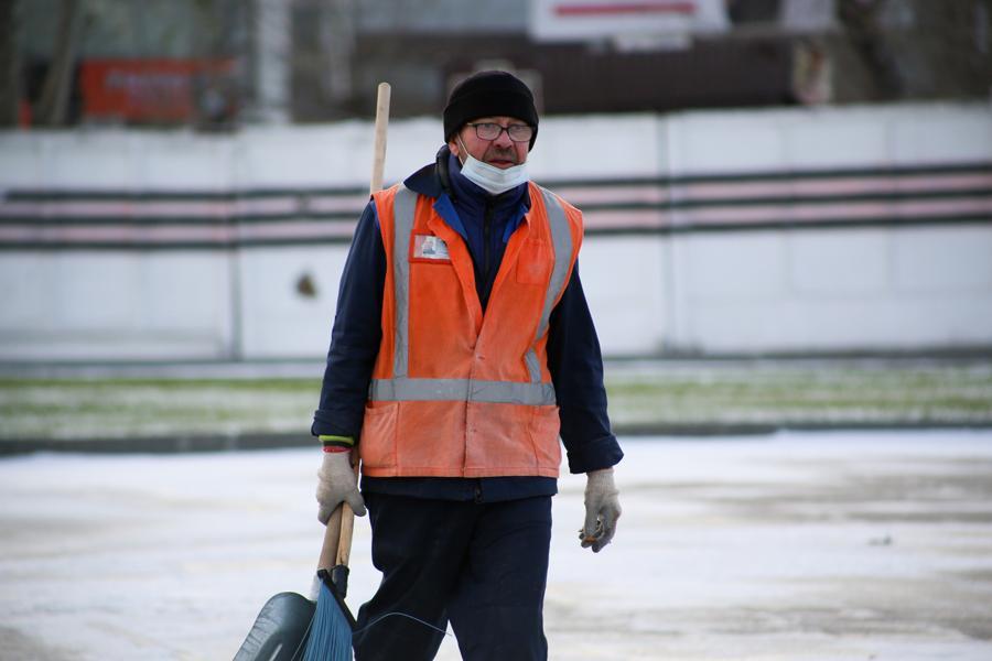 фото Первые морозы в Новосибирске: смотрим, как укутались горожане 5