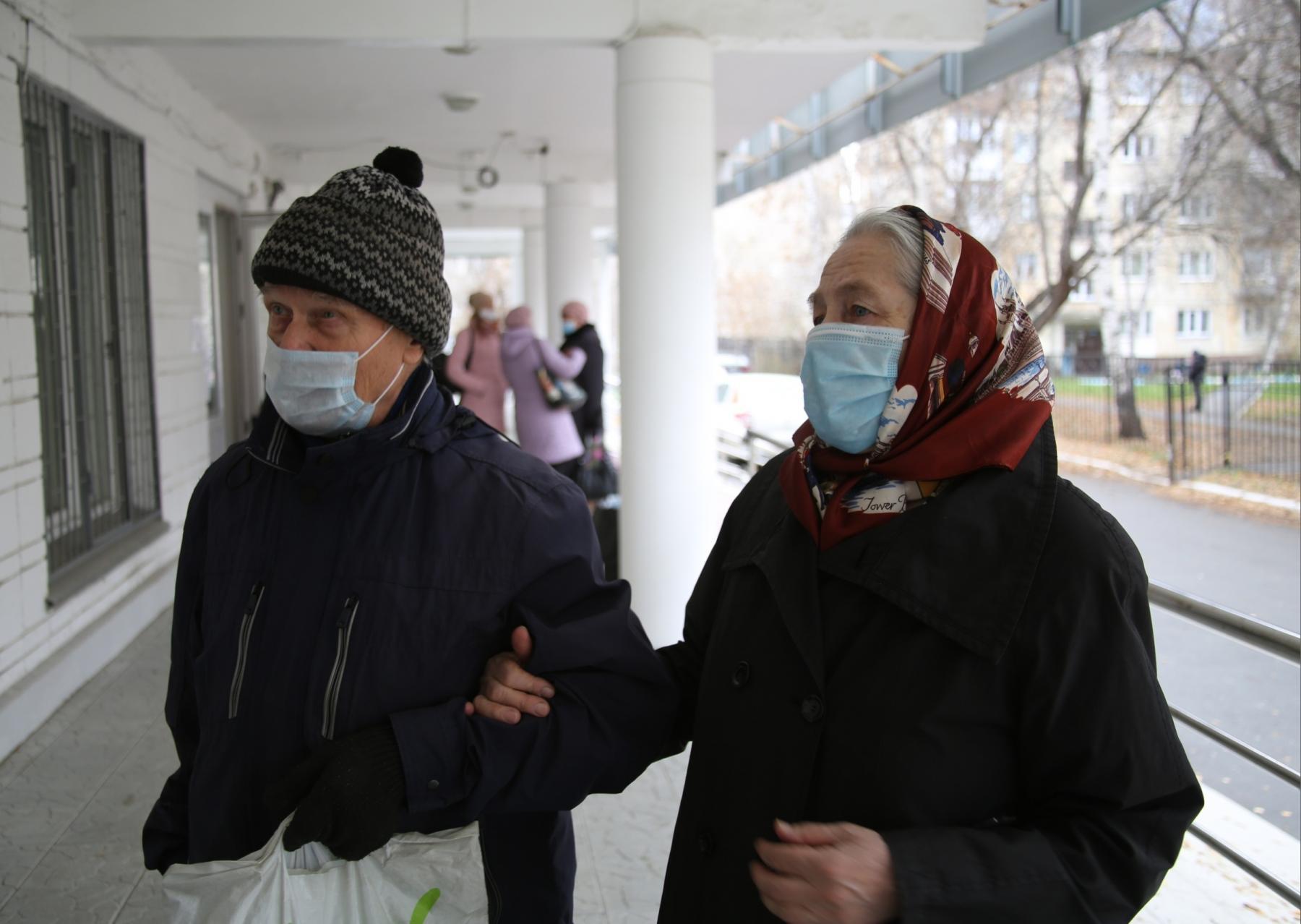 фото «Я не буду ставить на себе эксперименты»: что новосибирцы думают о российской вакцине от коронавируса 6