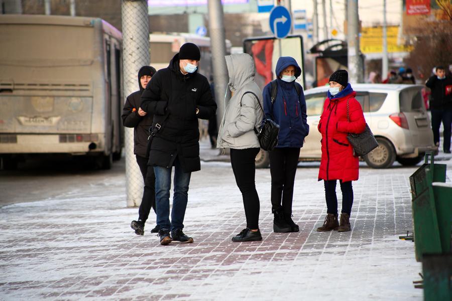 фото Первые морозы в Новосибирске: смотрим, как укутались горожане 2