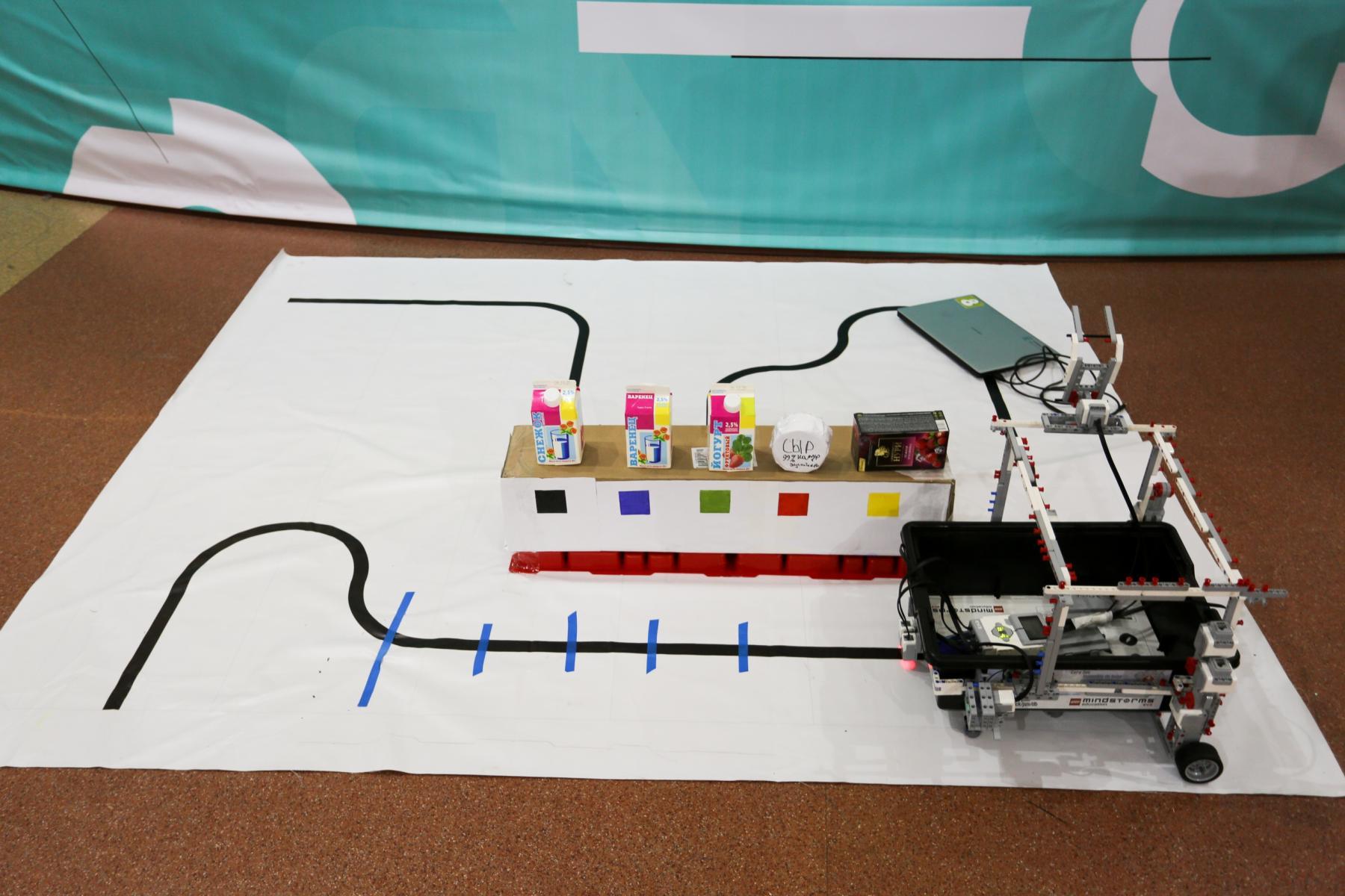 Фото Браслеты-пищалки для незрячих и роботы-дезинфекторы для осторожных: одарённые дети в Новосибирске показали свои разработки 5
