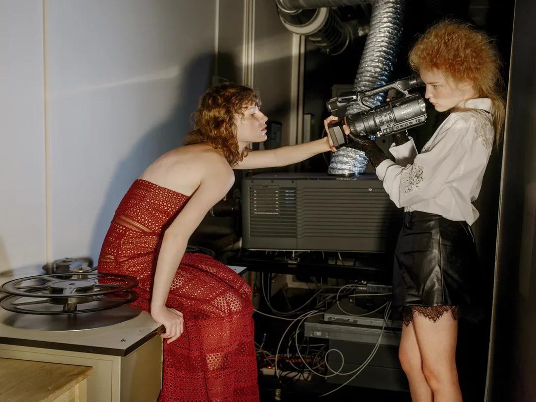 Фото «Фотографы — вуайеристы, а модели — эксгибиционисты»: как школьный учитель стала снимать для Vogue в Новосибирске 9