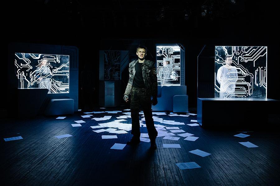 Фото «Первый театр» представляет афишу третьей недели октября 2