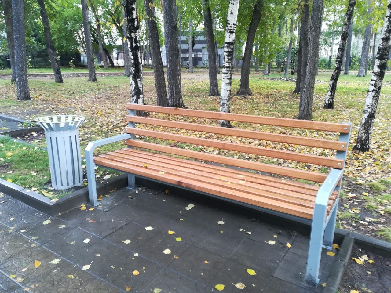 Фото В Новосибирске за 2,8 млн рублей благоустроили сквер на улице Кирова 2