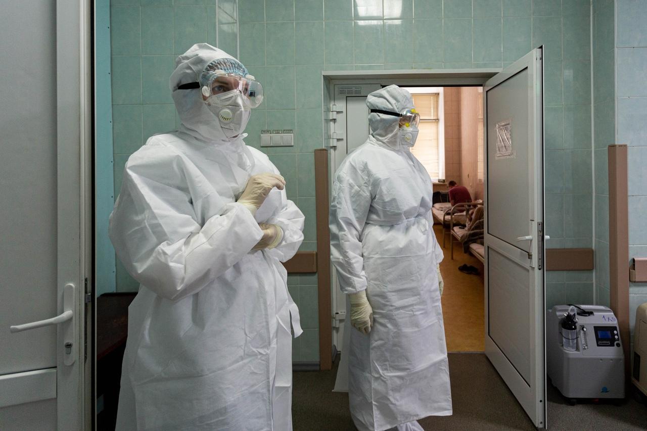 Фото Коронавирус после прививки: почему вакцина действует не на всех 5