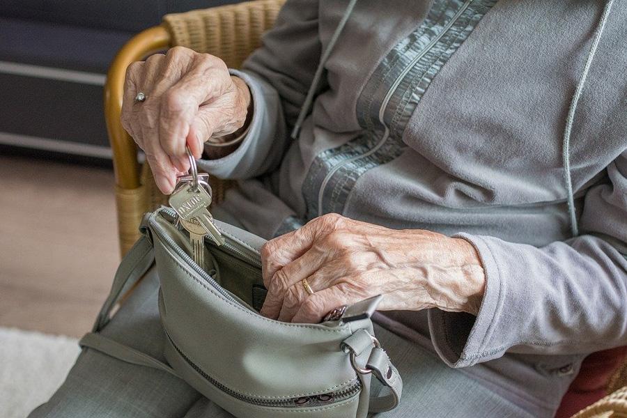 Фото Это не шутка: с 1 апреля пенсии в России вырастут почти на 10 % 2